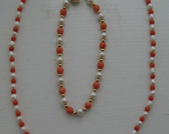 Antique set necklace and a bracelet natural corals, pearls, 18 ct gold