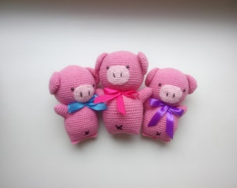 knitted pigs, pig gifts, knitting pigs, soft toy, pink pigs, crochet pigs