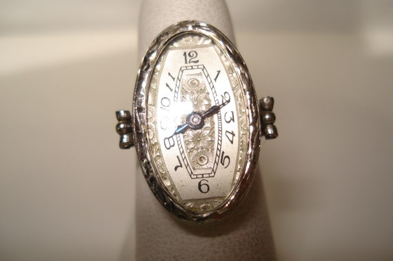 Art Deco 18 Kt Gold Ladies Ring Watch Size 7
