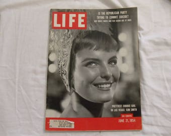 Life Magazine June 21, 1954  Prettiest Chorus Girl in Las Vegas: Kim Smith