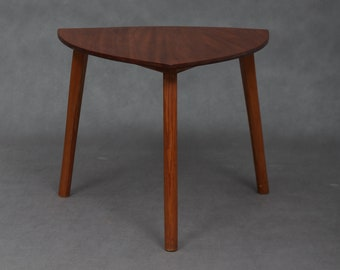 Pick shaped coffe table