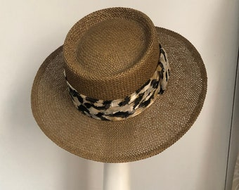 2d5778f31b4e0 VINTAGE 1990s Wide Brim Large Jute Straw Leopard print trim Satin Bow Tied  Wide medium Brim Round Fedora Sun Hat