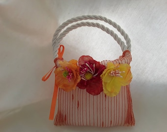 Orange organza Wedding favor + anemones