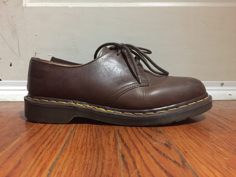 Vintage des années 1990 Dr Martens Doc Oxford richelieus marron lacets chaussures nous 10 UK 9 Grunge