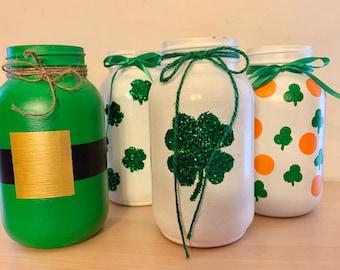 Shamrock painted mason jar, shabby chic decor, shamrock vase, rustic wedding centerpiece, St Patrick's Day decor, party centerpiece