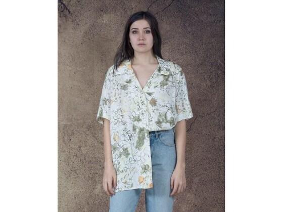 Short sleeve pastel, romantic, feminine, flowery w