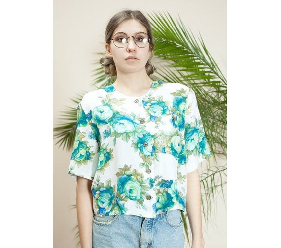 Beautiful Cropped, flowery vintage 90' blouse, wom