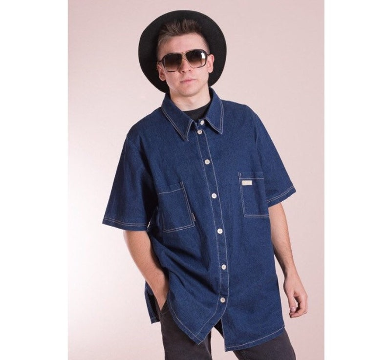 d339faa8 Vintage 90s Blue denim short sleeve Button up shirt Mens   Etsy