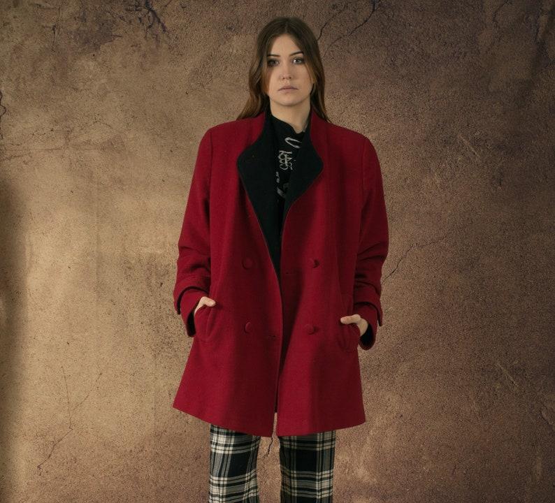 womens Vintage clothing by Mooha 90s Vintage beautiful maroon short coat