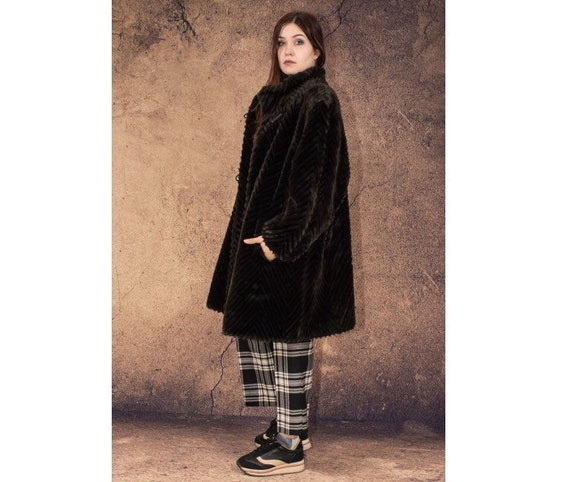 80s vintage brown, short Fake fur coat • Artificia