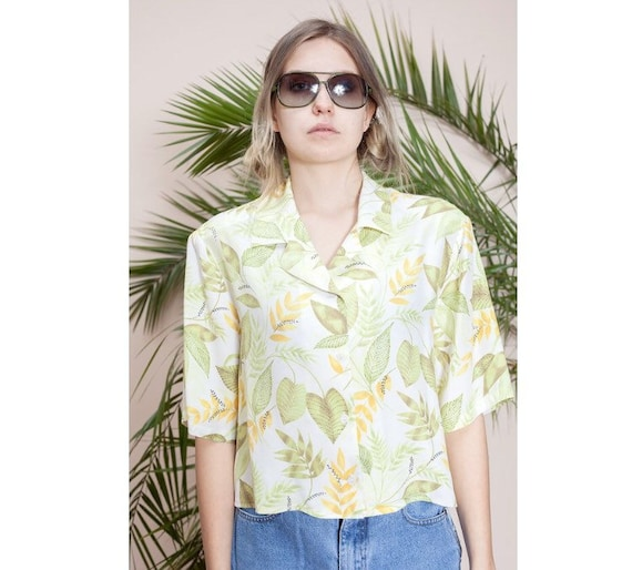 Short sleeve blouse•Womens cropped shirt•Cropped t