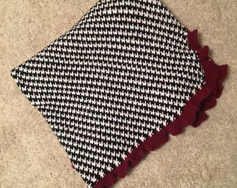 Houndstooth with Crimson Border Crocheted Throw
