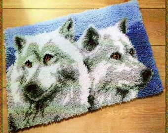 Wolves of the night  latch hook pattern