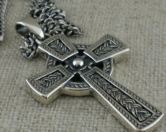 Hand carved Celtic Cross pendant Small 4 x 2.5 cm - 1.7 x 1 inch