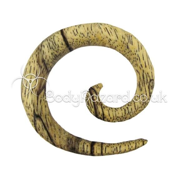 "1 x Coconut Wood Ring Ear Plug Hook Donut CBR BCR Choice of 8G-9//16/"" 3mm-14mm"