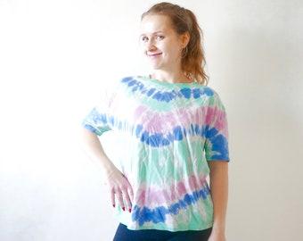 e910ec9d T shirt women - Vintage | Etsy IE