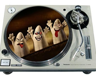 """Slipmat Slip Mat Scratch Pad Felt for any 12"""" or 7"""" LP DJ Vinyl Turntable Record Player Custom Graphical *3 Ghosts*"""