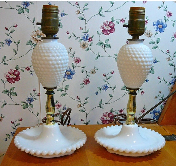 Vintage Milkglass Hobnail Table Bedroom Lamp Country Style Lamps, White  Bubble Glass. Wedding, Bridal Shower, Girls Birthday Gift