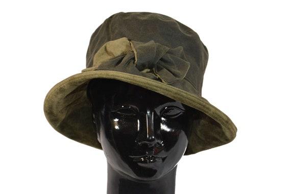 Barbour Green Wax Hat Waterproof Waxed Rain Hat with Smart  6b22f6d6ff12