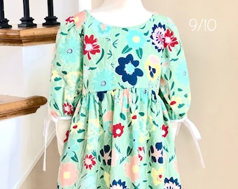 Floral Dress with Empire Waist Size 9/10