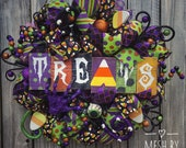 Halloween wreath, Trick or treat wreath, Candy corn wreath, Monster wreath, Halloween decor, Front door wreath, Halloween deco mesh wreath