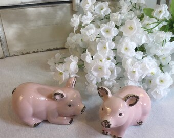 """Now these are some precious little pigs! Measures 4"""" x 2"""" x 2 1/2"""" tall New Condition"""
