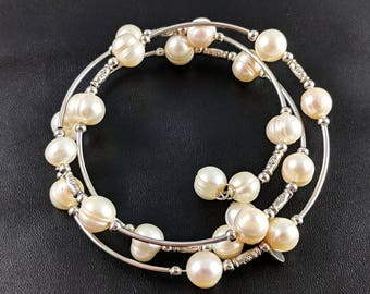 Freshwater pearls beaded bracelet by Laura Ashley