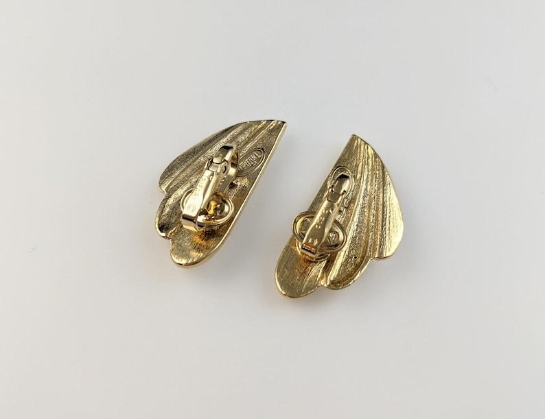 Lovely  Vintage Gold-tone Cream Colour Enamel Clip on Earrings by Trifari Jewellery