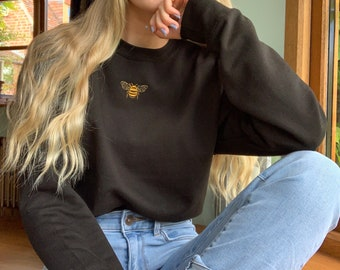 Black Bee Sweatshirt, Eco Loungewear, Sustainable Clothing, Embroidery, Work from home, Bumblebee, Comfy, Nature, Unisex Jumper, Embroidered