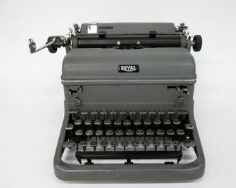 Vintage 1940's Royal Typewriter with touch control