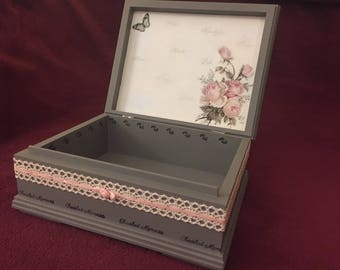 Welcome To The World Memory Box