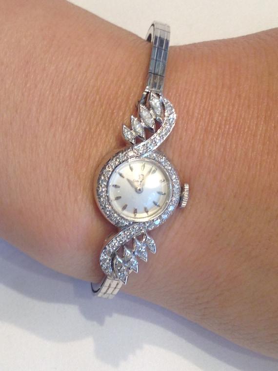 Vintage Damen Omega Uhr Mit Naturlichen Diamanten Etsy