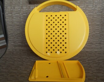 TUPPERWARE Shredder and Grater Lid Yellow
