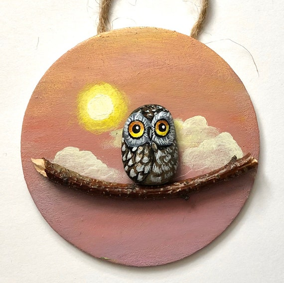Owl 3D painting Christmas ornaments, Unique and Realistic Hand Painted Rock Art