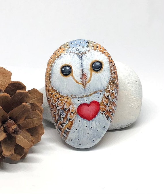 Barn owl painted rocks with heart, small cute owl gift for her ,Valentines day decor