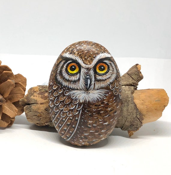 Great Horned Owl Painted Rocks, paperweight art for room decor, unique owl gifts, bird art painted stones