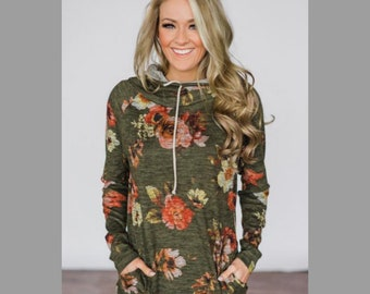 Green Floral Pullover
