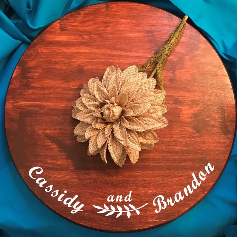 18 le Stand de gâteau personnalisé, gâteau de mariage Stand, porte-gâteau, décor de mariage, personnalisés mariage décor, décor de Stand de gâteau