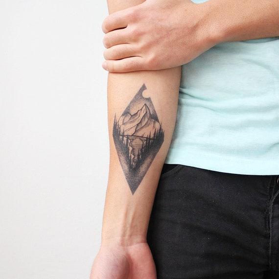 Lac de montagne , tatouage temporaire / montagne temporaire tatouage /  tatouage temporaire Blackwork / montagne Triangle /Lake tatouage avant,bras