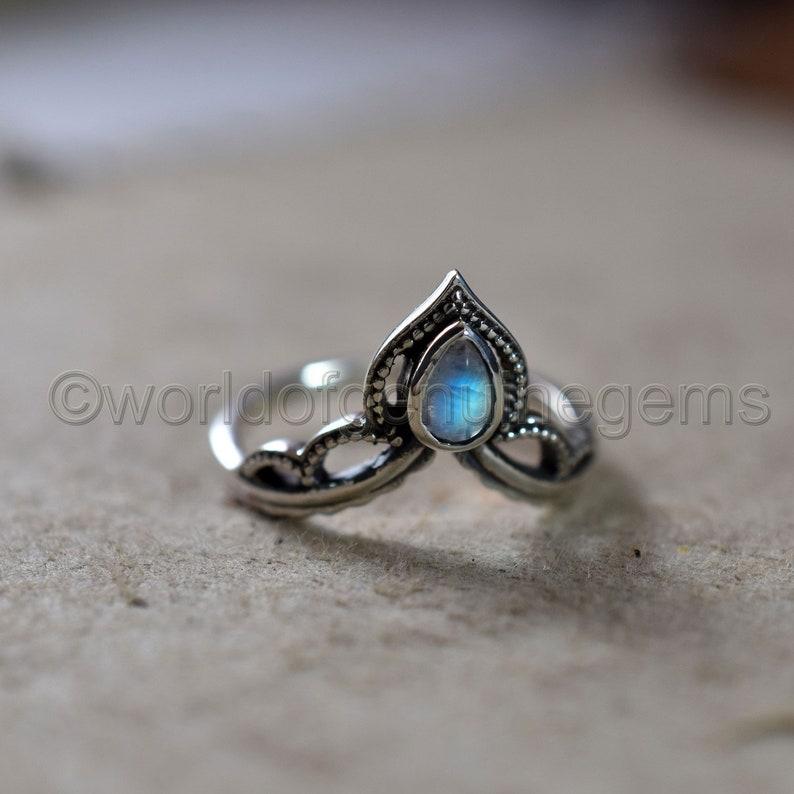 Chevron Pear Design Moonstone Ring Bohemian Women/'s Jewelry Designer Handmade Jewelry 925 Sterling Silver Ring Fine Art Jewelry Girl Ring
