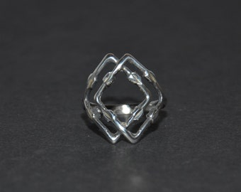 Vintage Sterling Silver Fashion Ring - approximately size 9