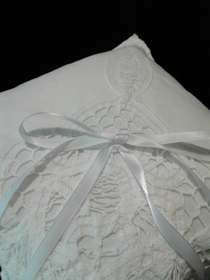 Ring Bearer Wedding Pillow with Vintage lace