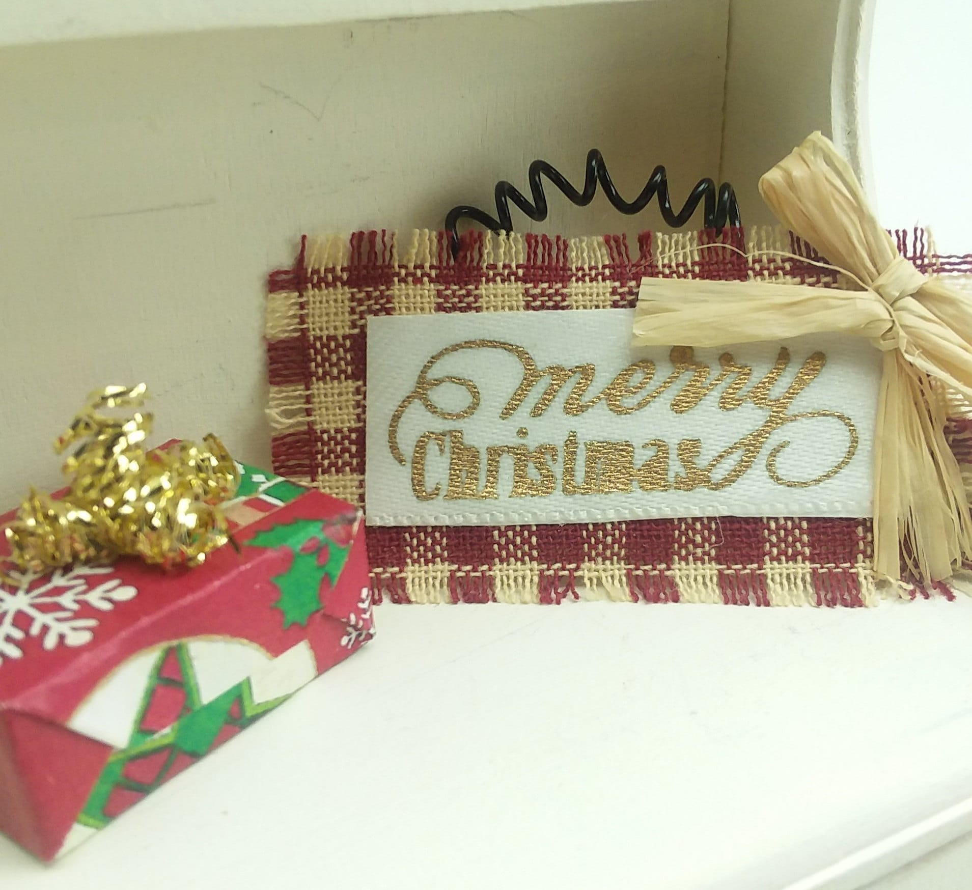 Christmas Dollhouse Decorations.Dollhouse Gift Present Wrapped Miniature Christmas