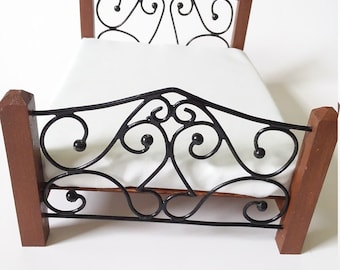 Miniature Double Bed, Dollhouse Rustic Double Bed, Doll Wrought Iron Bed, 1:12 Scale Dollhouse Furniture, Dollhouse Bedroom Furniture, Mini