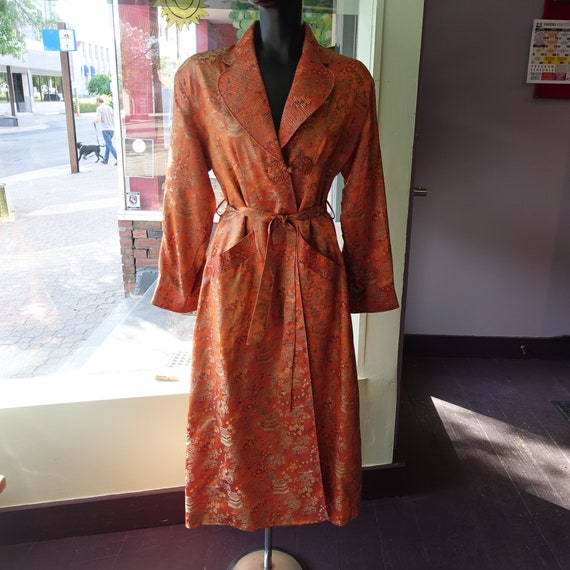 1940s Chinese Dressing Gown (Shoulders - 18)