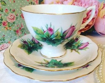 lovely English Vintage Rosebud Teacup Trio