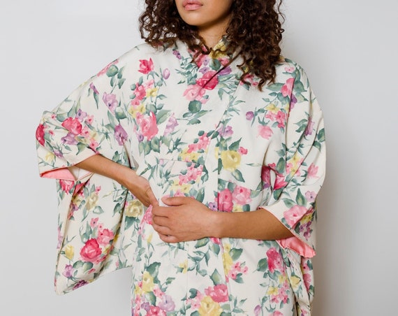Floral Ivory Silk Kimono // Hand-painted Artwork // Vintage Japanese Kimono //  Altered Vintage // Silk Robe // Duster