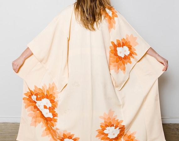 Light Orange Silk Kimono w/ Flowers // Altered & Reworked Vintage // Silk Robe // Japanese Vintage Kimono // Kimono Duster