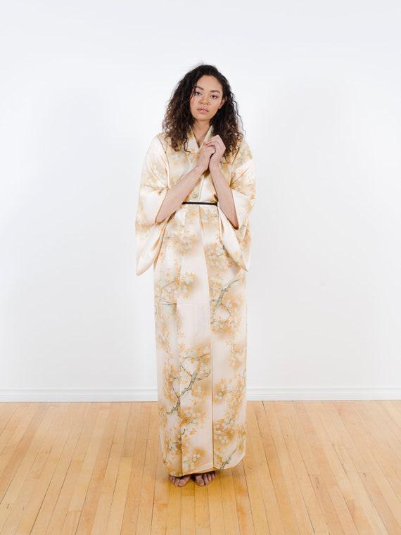 Peach Silk Kimono w/ Cherry Blossoms // Vintage Japanese  Kimono // Kimono Dress // Silk Robe // Kimono Duster // House Coat