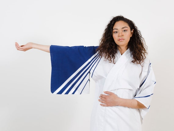 White Cotton Kimono w/ Navy Stripes & Patterns // Vintage Japanese Yukata // Light Duster // House Coat // Robe